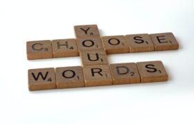 В чому різниця між словами accountable, responsible і liable?